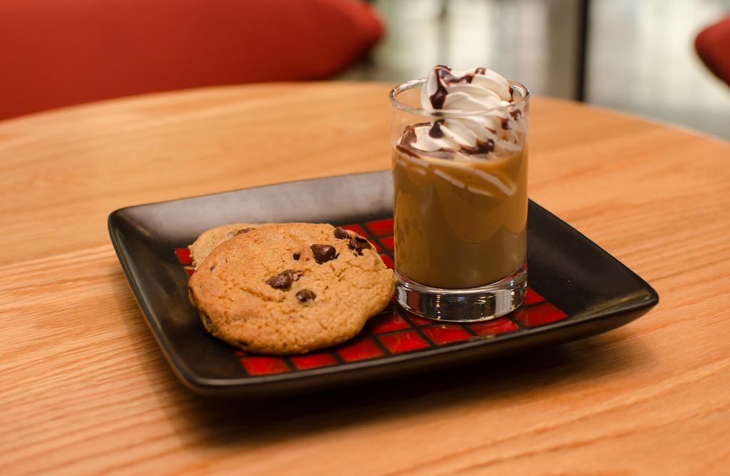 Мокачино, латте, капучино, эспрессо, американо, айриш-кофе, рецепт латте, рецепт капучино, рецепты кофе, кофе, кофейные зерна, кофейное дерево, сорта кофе, виды кофе, латте, капучино, эспрессо, макиато, американо, рецепт приготовления кофе, приготовление кофе, варить кофе.